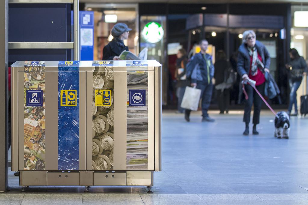 25 gjoba prej 40 frangash për mbeturinat në rrugët e Zvicrës