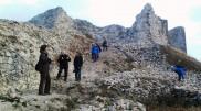 12. Në rrënojat e kalasësë Novobërdës
