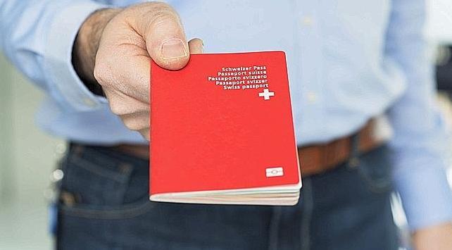 I jepet më në fund pasaporta turkes që nuk e njihte kasapin e fshatit