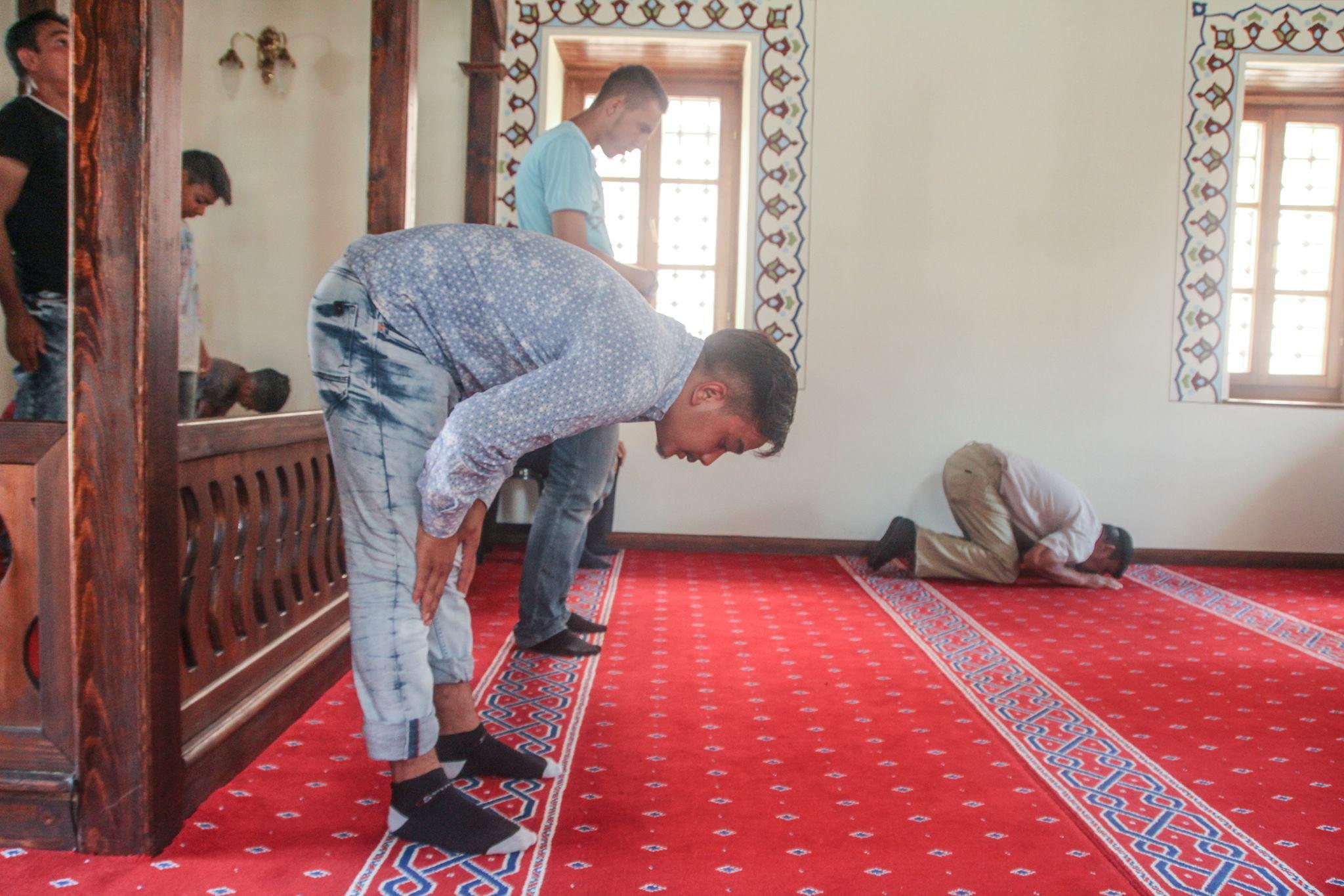 Imamët kanë pak ndikim në orientimin fetar të myslimanëve të ...