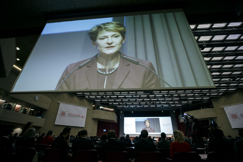Swiss President Simonetta Sommaruga addresses her statement, during the 32nd International Conference or the Red Cross and Red Crescent, in Geneva, Switzerland, Tuesday, December 8, 2015. (KEYSTONE/Salvatore Di Nolfi)