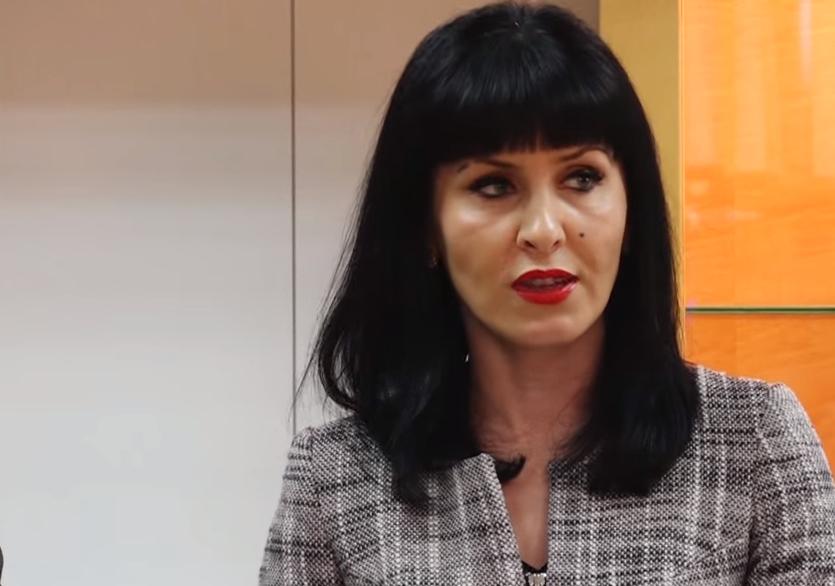 Eine albanische Anklägerin 'schüttelt' Gruevski - Albinfo