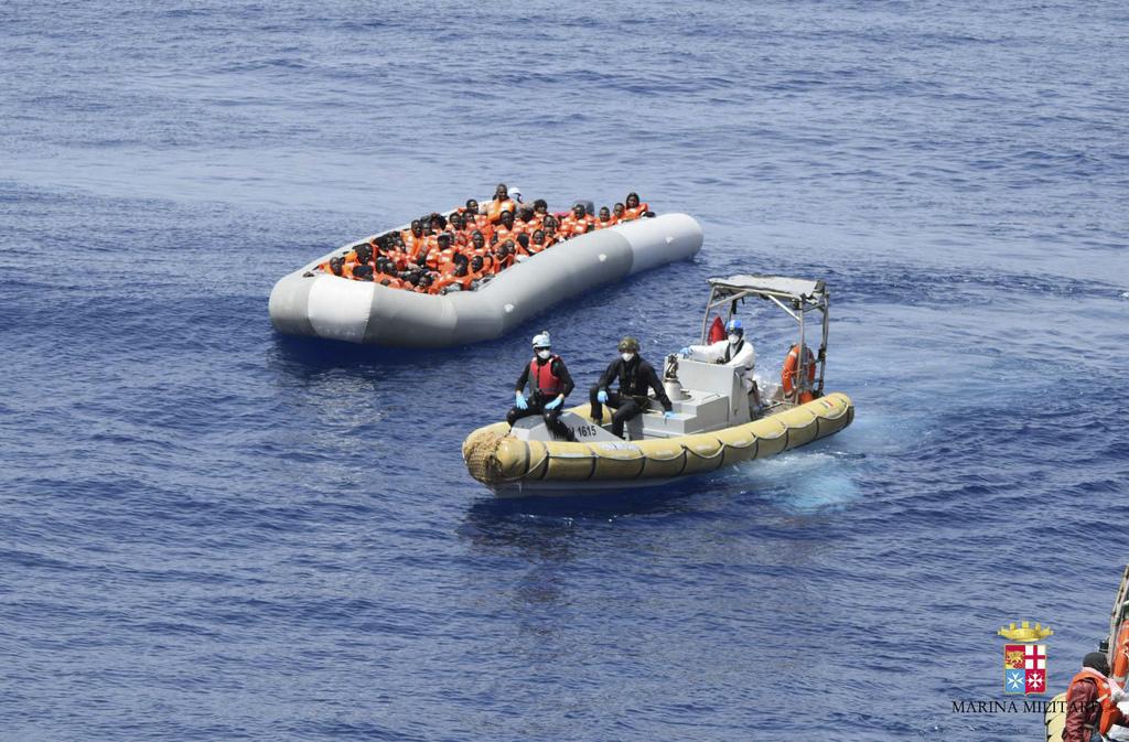 Austria refuzon të marrë emigrantët të cilët shpëtuan nga Deti Mesdhe