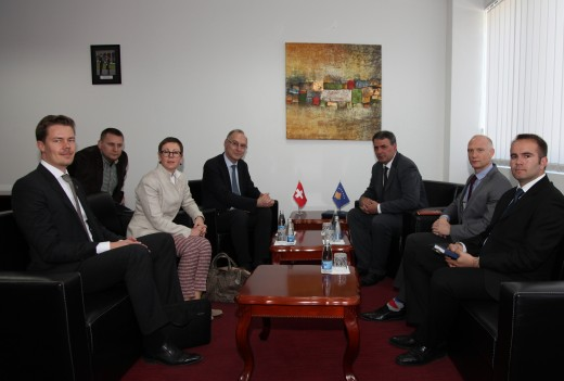 3. Ministri Haki Demolli priti ne takim ambasadorin e Zvicres ne NATO  25.05.2016