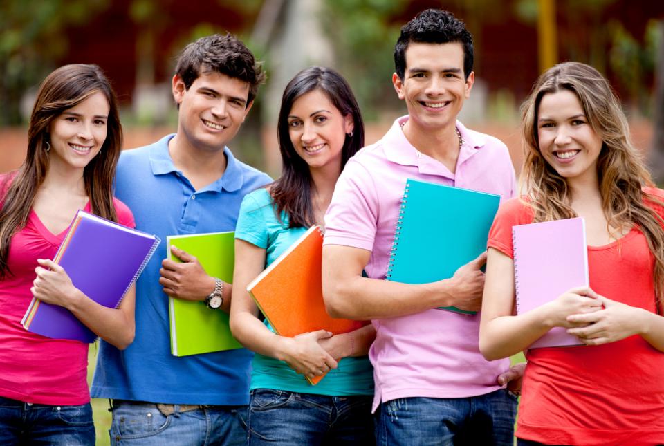 1 48 milionë të rinj nga BE ja studiojnë jashtë vendit