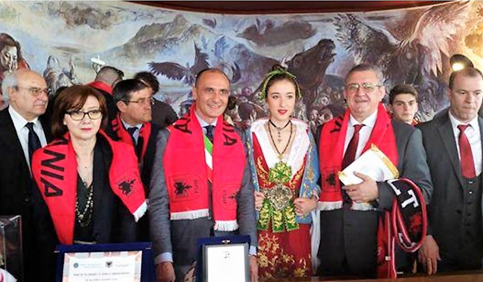 Arbëreshët  Jemi me Shqipërinë dhe Italinë