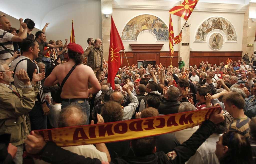SHBA  BE  NATO e OSBE dënojnë sulmin ndaj deputetëve në Maqedoni
