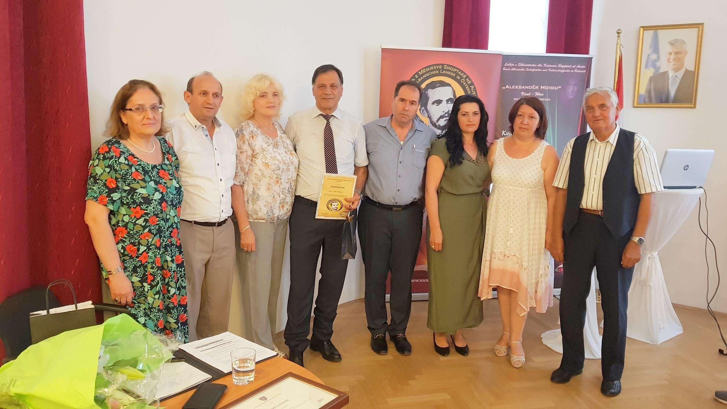Përurohen librat e Hazir Mehmetit në Vjenë