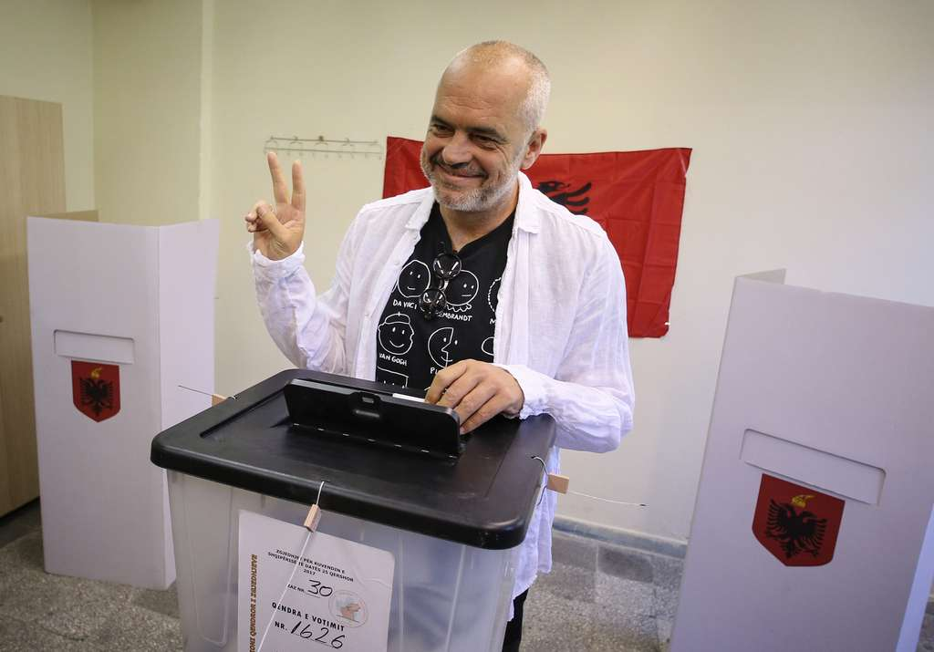 Sipas Exit Poll it  PS del fituese