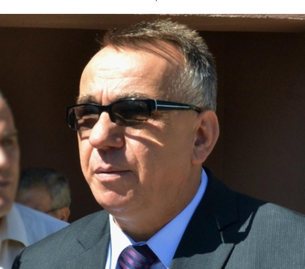Ish rektori Enver Hasani  fajtor në aferën e përkthimeve  1 vjet burg me kusht