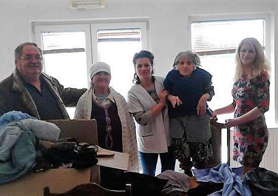 ndihma-per-shtepite-e-pleqve-dhe-libra-per-bibliotekat-kosovare