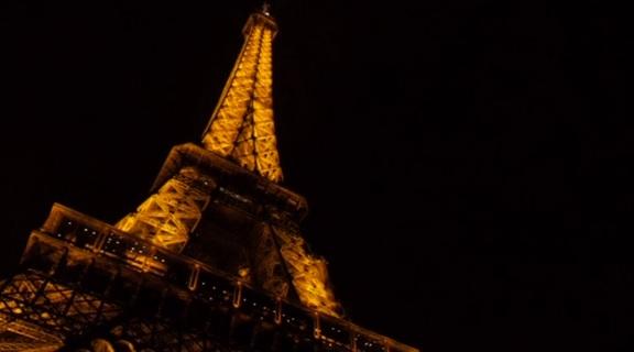 Mbahet gara vjetore e ngjitjes në kullën Eiffel