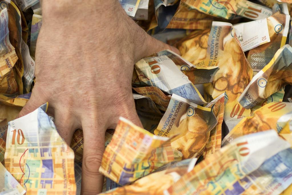 Paga minimale në Gjenevë  23 franga ora  4 086 në muaj dhe 49 032 CHF në vit