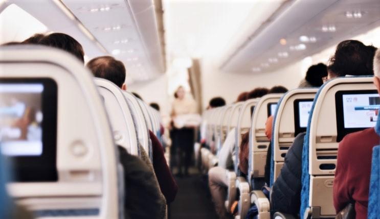 10 gjëra që iu ofrohen falas nëse udhëtoni me aeroplan