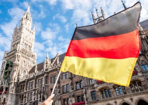 Gjermania ndihmë Italisë për refugjatët
