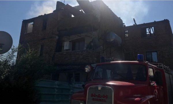 Shpëtoi 4 fëmijë nga flakët  banori  Theva derën  i gjeta pa ndjenja