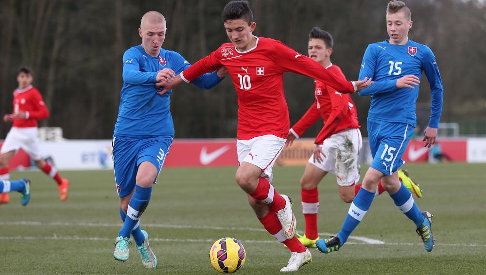 Lojtarët kosovarë bazë e të gjitha moshave në futbollin zviceran
