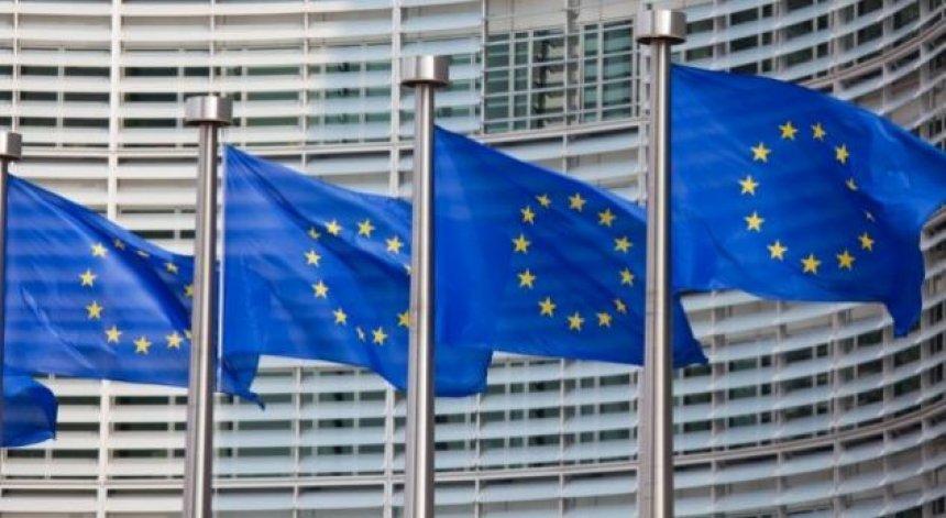 BE ja paralajmëron Britaninë e Madhe për bisedime të ashpra tregtare