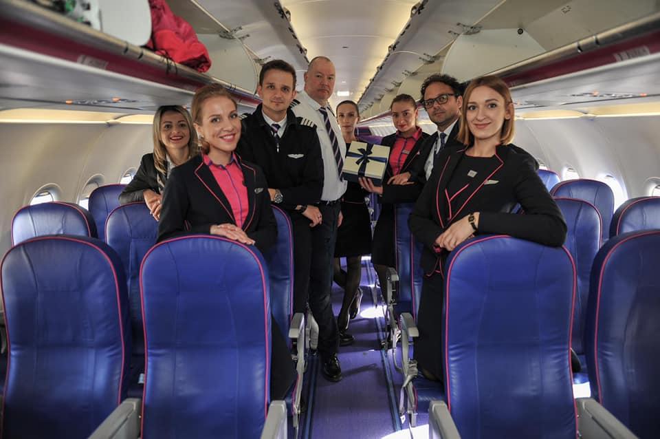Disa nga momentet në Aeroportin Ndërkombëtar të Prishtinës  Adem Jashari   në ditën e Pavarësisë së Kosovës