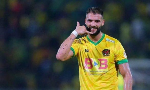 Futbollisti Liridon Krasniqi merr pasaportën e Malajzisë - Albinfo
