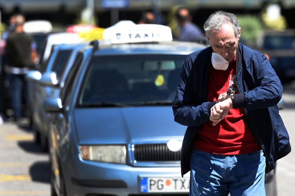 Pagoi 50 euro dhe arriti të futet në Mal të Zi pa test për COVID 19  turisti arrestohet pasi tregoi ngjarjen në TV