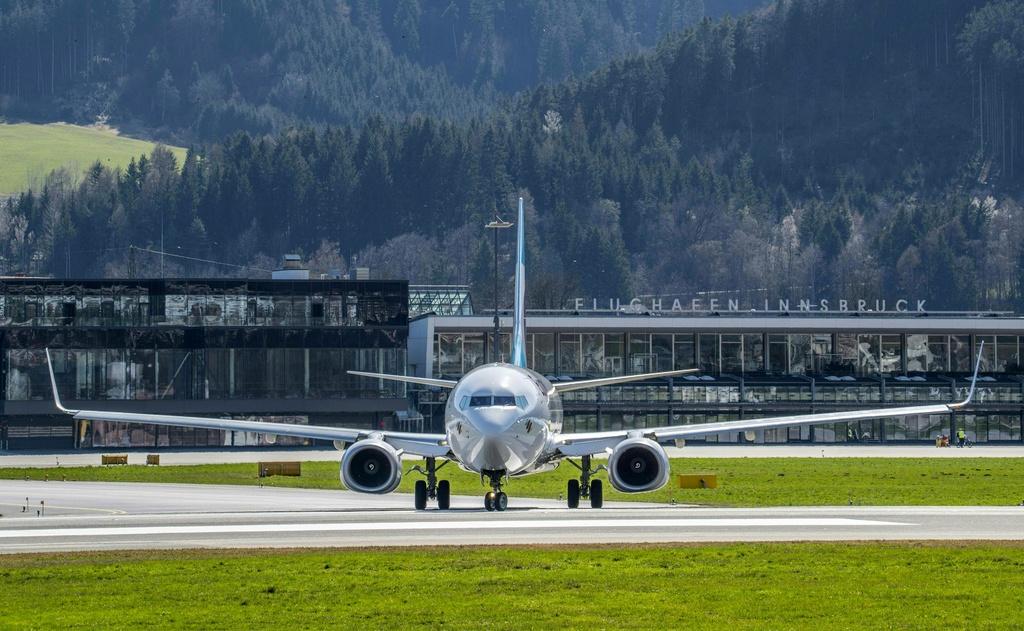 Pandemia  detyron  kompanitë ajrore evropiane të ulin çmimet e biletave