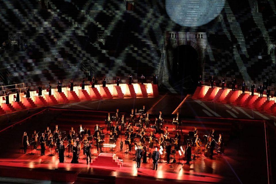 tenori-shqiptar-saimir-pirgu-performoi-ne-arie-d-opera