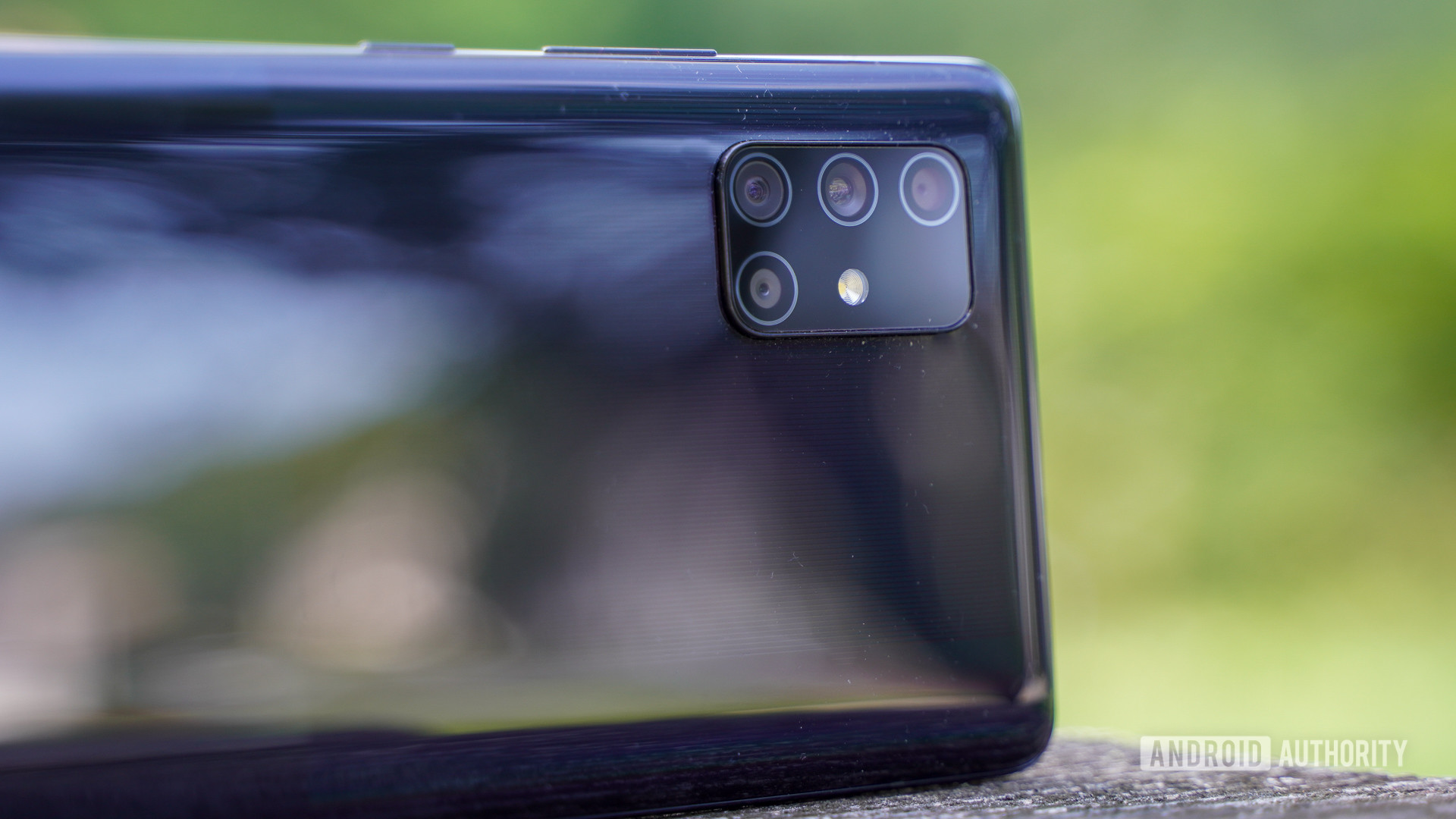 Me 5 kamera vjen Samsung Galaxy A72