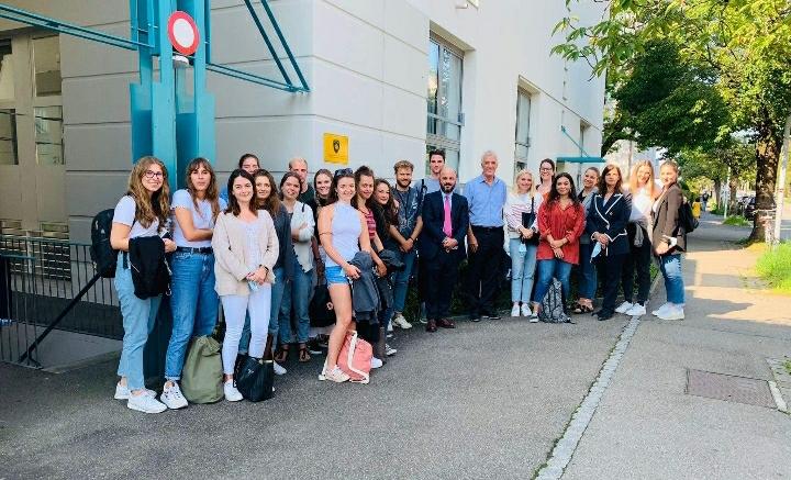 Studentët zviceranë vizituan Konsullatën e Kosovës në Cyrih