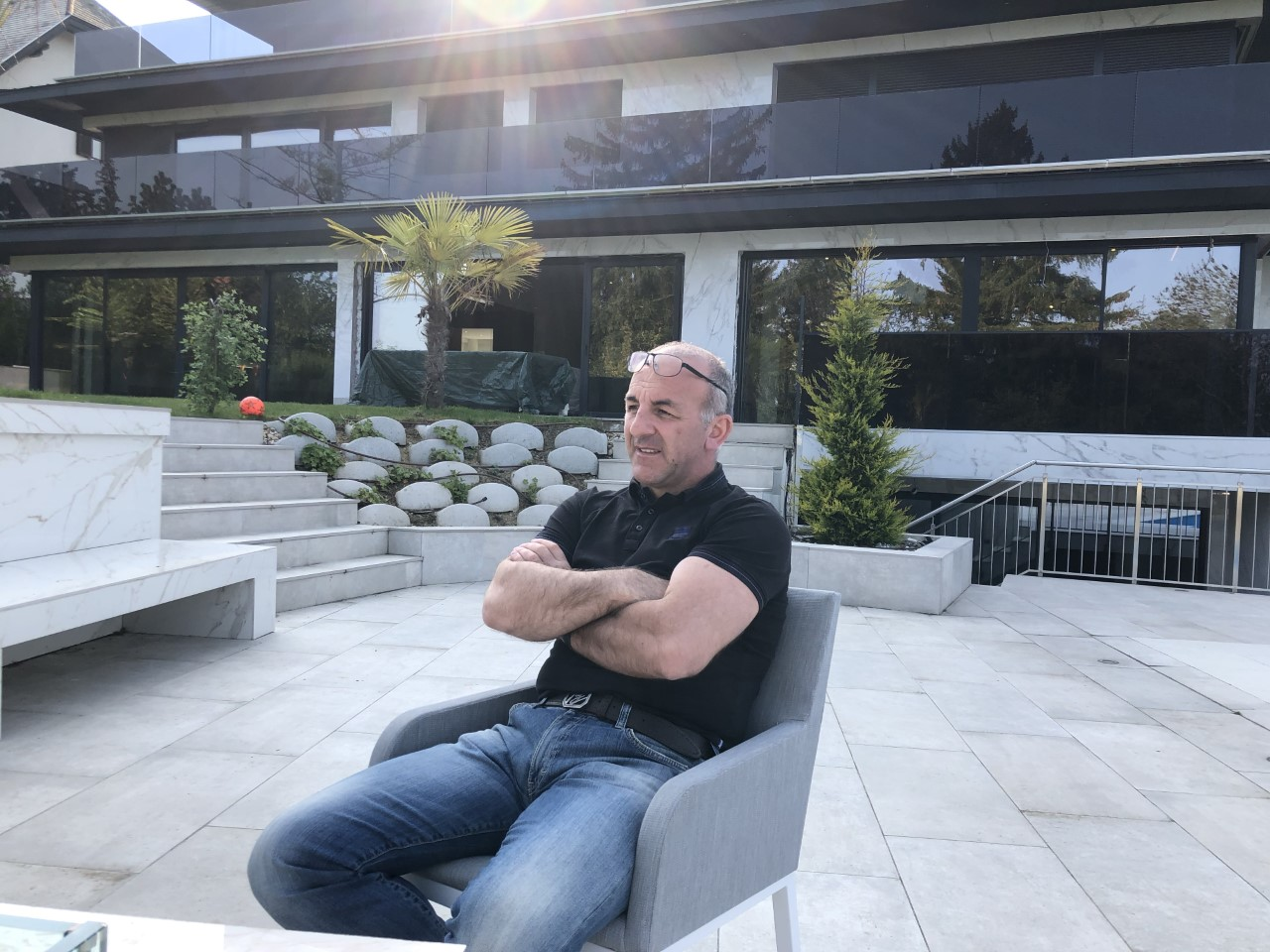 Argtim Hani, biznesmeni nga Veleshta: Nuk merrem me politikë, jam biznesmen (FOTO)
