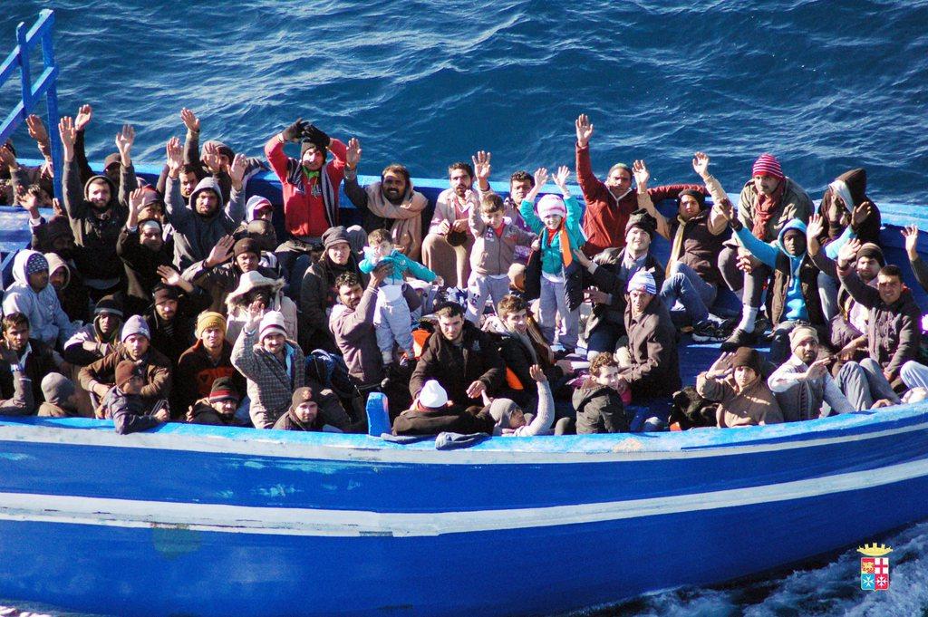 Rojat bregdetare shpëtuan më shumë se 200 emigrantë